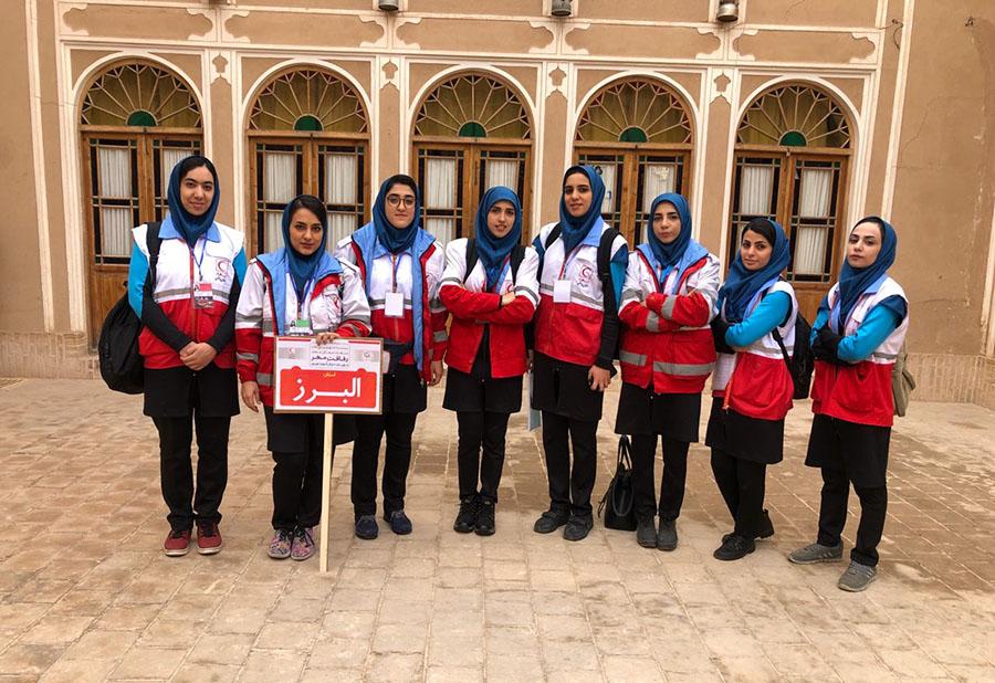 تیم دختران دانشگاه آزاد اسلامی واحد کرج یکی از سه تیم منتخب کشور شد