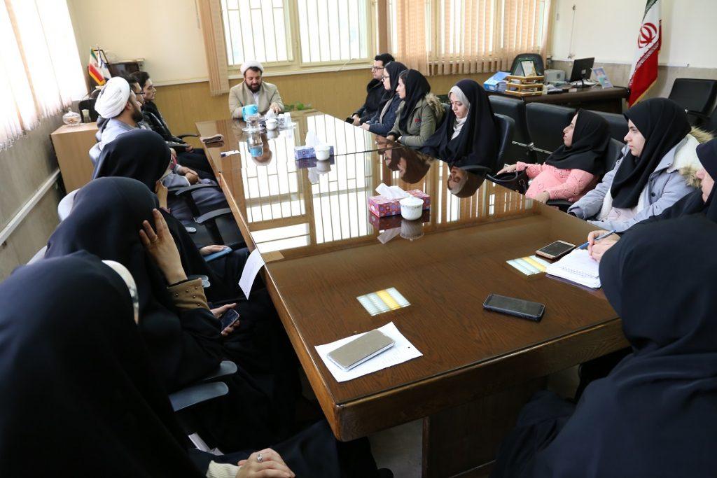 جلسه مسئول نهاد با کانون ها وتشکل های دانشجویی