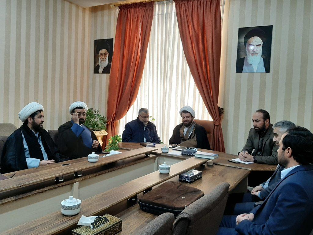 هم اندیشی مسئول نهاد رهبری در دانشگاه های آزاداسلامی استان البرز در واحد هشتگرد